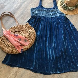 NWT Studio West blue Ah Tye Dye Crochet Dress M